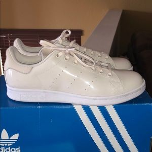 Stan Smith All cream adidas shoes.